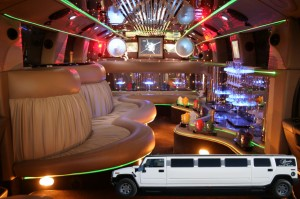 hummer-limousine-estate-2011-versilia1-300x199